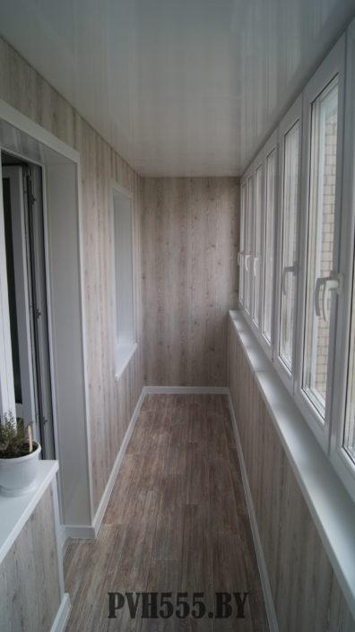Отделка балкона ламинированными ПВХ панелями