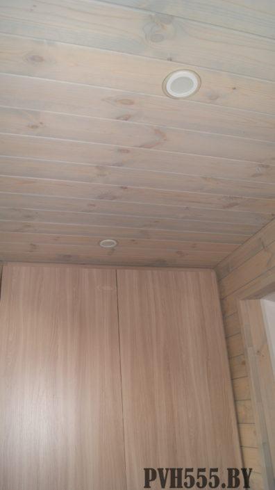 Отделка балкона штиль покраска и шкаф распашной