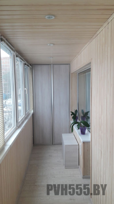 Отделка балкона вагонкой в Минске