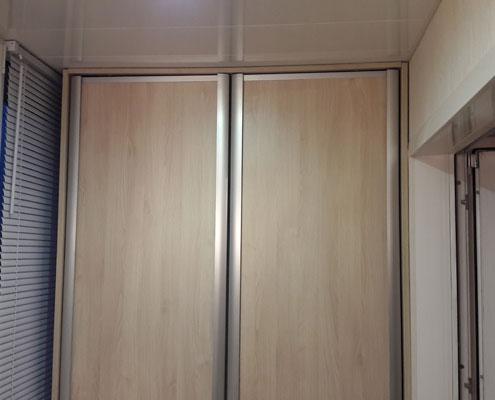 Изготовление распашных шкафов на балкон