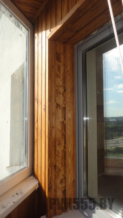 Отделка оконных откосов на балконе11