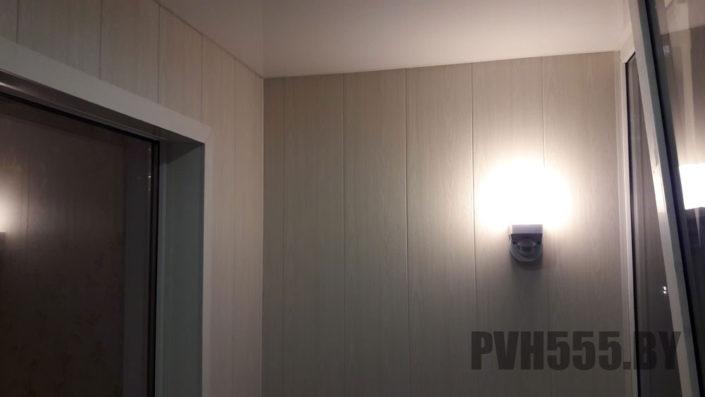 Отделка балкона ПВХ панелями 2