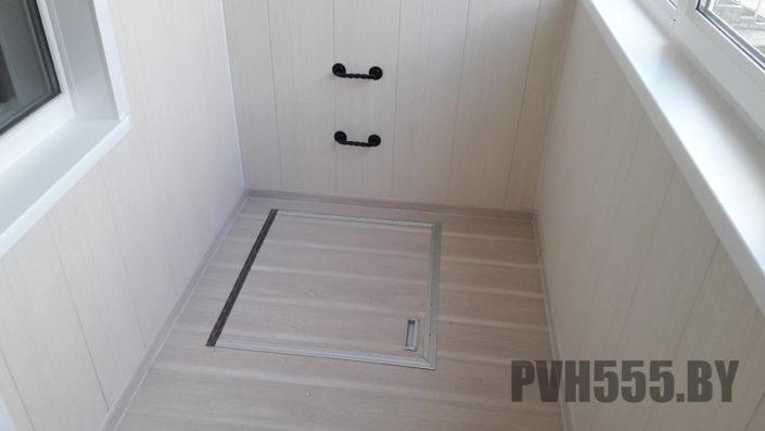 Люк на балконе 2 PVH555