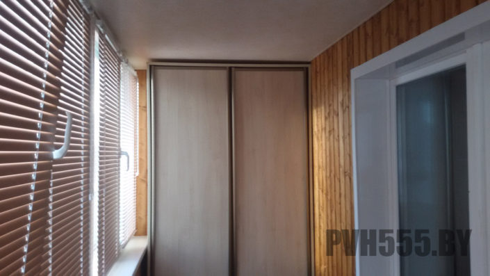 Изготовление распашных шкафов на балкон 10