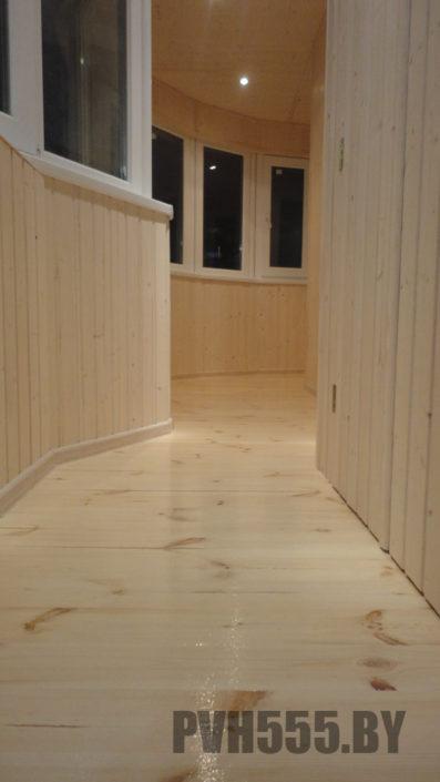 Деревянный пол на балконе 01