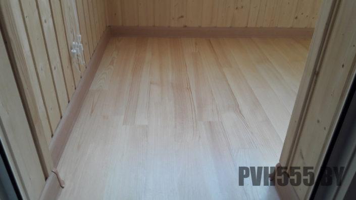 Деревянный пол на балконе 1