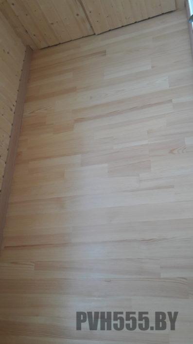 Деревянный пол на балконе 3