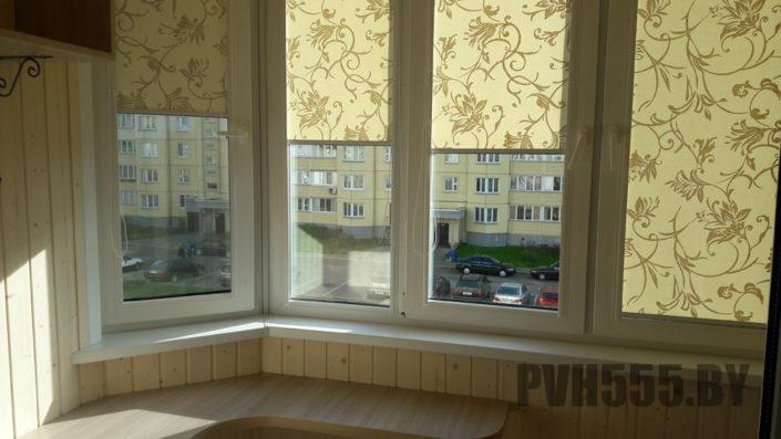Монтаж ролл штор на балконе 11