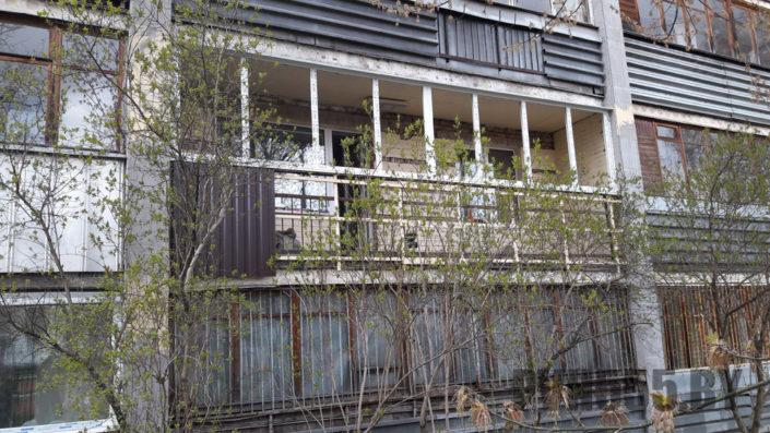 Отделка балкона профнастилом 1