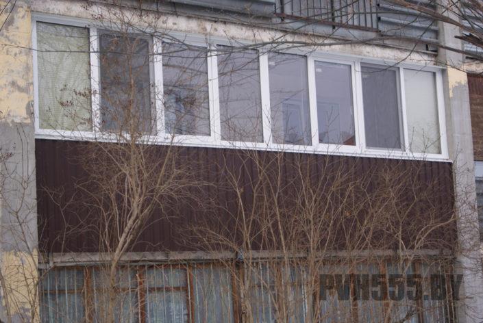Отделка балкона профнастилом 3