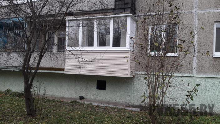 Отделка балкона сайдингом 3