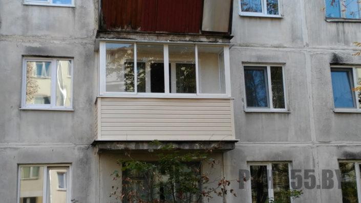 Отделка балкона сайдингом 9